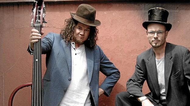 Hawkeye and Hoe har fået et ry, som et af de hårdest arbejdende og mest underholdende tilbud på den danske pub-scene. Døm selv Skærtorsdag.