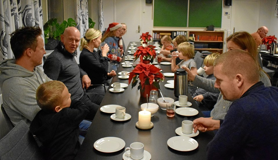 Til afslutningen var der kaffe og æbleskiver i sognegården.
