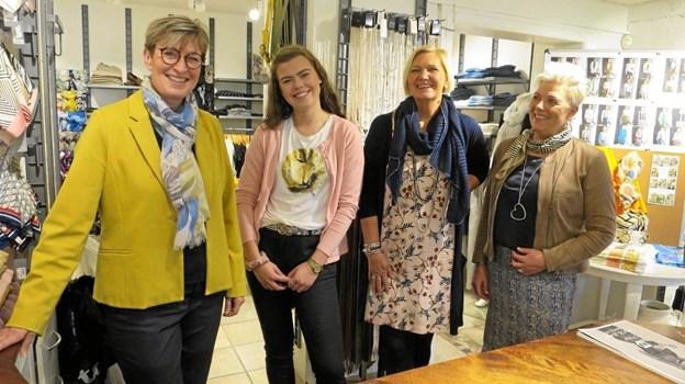 Dorte, Lærke, Bitte, og Dorte. Julia vores anden elev var på skole da billede blev taget. Foto: hhr-freelance.dk
