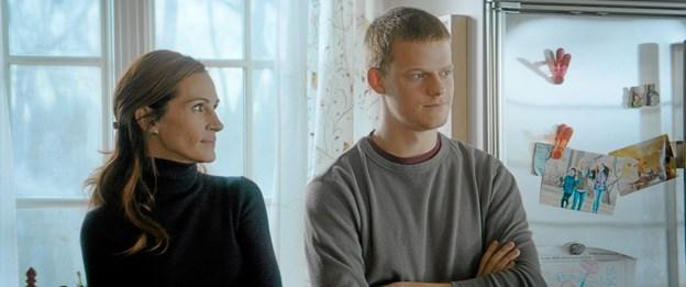 Hovedrollerne i Ben is Back spilles af Julie Roberts og Lucas Hedges, som her ses i en scene fra filmen.