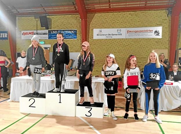 11-årige Almedina kunne træde øverst på podiet og kalde sig vestjysk mester. Privatfoto