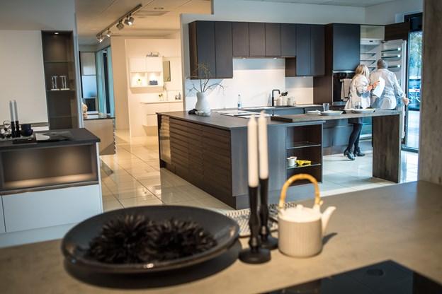 JKE i Brønderslev har bygget om i forretningen, hvor man kan se forskellige nye køkkener udstillet. Foto: Martin Damgård
