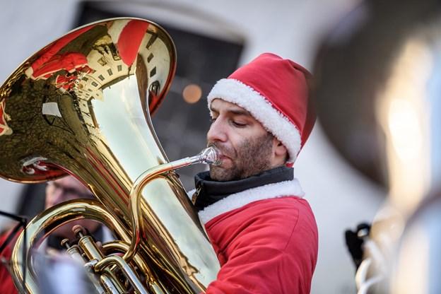 Julestemningen fik et ekstra nøk med hyggelig julemusik. Foto: Nicolas Cho Meier Nicolas Cho Meier