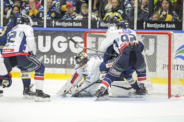 Evan Jasper (til højre) lukkede kampen med scoringen til 2-0 to minutter før tid. Arkivfoto: Lars Pauli