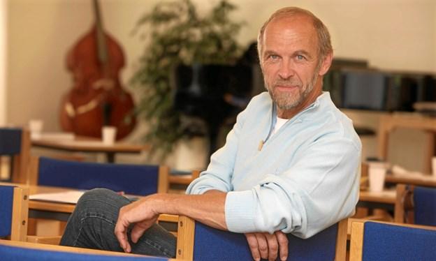Komponisten Erik Sommer vil synge sammen med sognene i Nøvling, Gistrup og Gunderup. Privatfoto