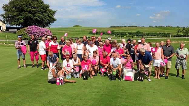 55 golfspillere samlet til årets Pink Cup-arrangement i Hobro Golfklub. Privatfoto