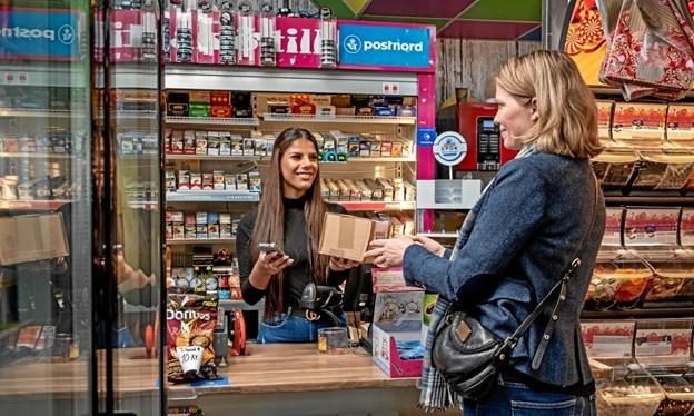 Postnord installerer landet over 500 udleveringssteder som dette - herunder hos Spar i Hovedgaden i Valsgaard. Privatfoto