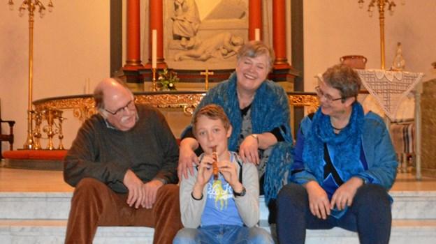 Lørdagens medvirkende Mads-Peter Neumann instruktør, Annette Bo Nielsen, moderen, Rikke M.S. Kursch, akkompagnetør og i midten Matthias Berman, Amahl.