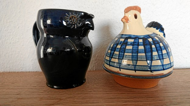Ugle- og hanekander i keramik på udstilling i Øster Assels.