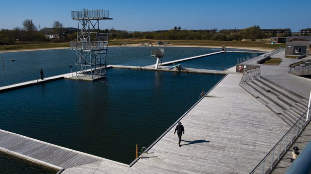 De seneste uge er de tre bassiner blevet gjort rene, og der er fyldt masser af nyrenset vand i. Foto: Lasse Sand