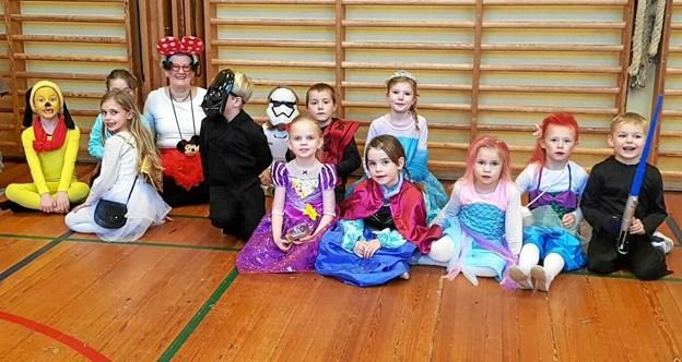 Festdeltagerne i Aarestrup var i år klædt ud i Disney-kostumer. Privatfoto