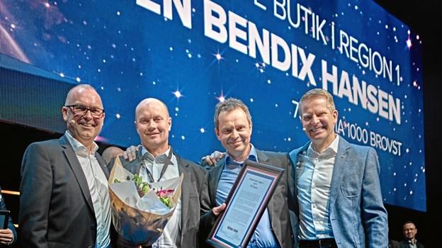 Købmand Karsten Bendix Hansen var en glad mand, da Rema1000 i Brovst blev kåret som regionens bedste butik i kæden. Privatfoto