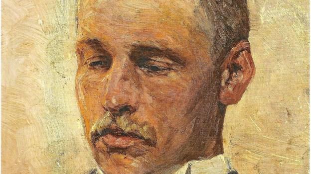 Plesner havde dårligt nok sat sin fod i Skagen, før han blev hvirvlet ind i den dæmoniske kunstnerkreds. Hans tilknytning til kunstnerne blev slået fast med ti-tommers søm, da Niels Pedersen Mols malede hans portræt, der blev indsat i frokoststuens frise. (Skagens Kunstmuseer) LOKALHISTORISK ARKIV SKAGEN