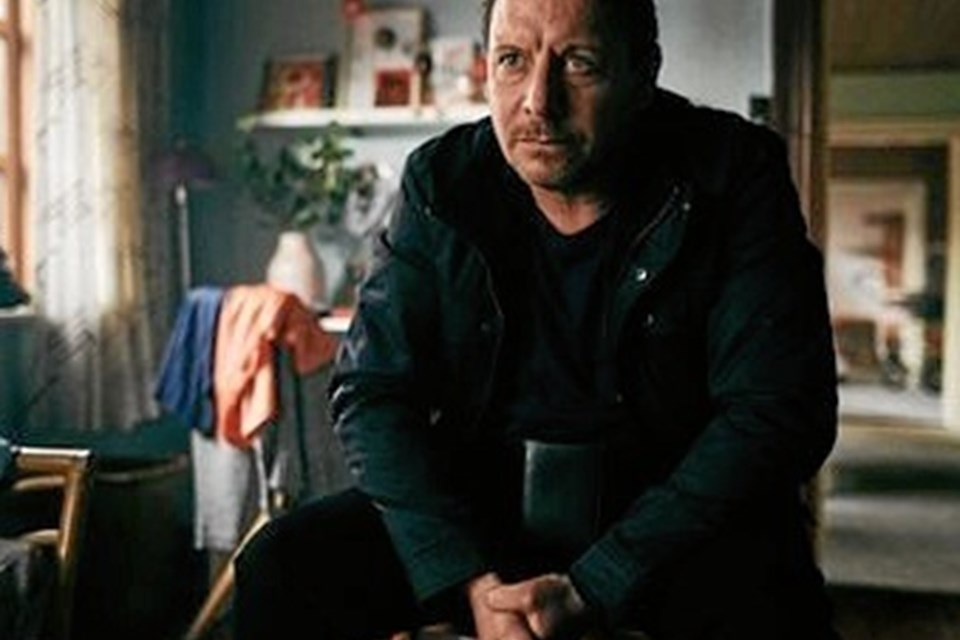 Skuespiller Anders W. Bertelsen spiller hovedrollen i den nye fiktionsserie.  Privatfoto