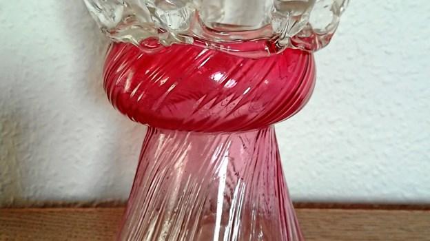 Det er ret utroligt, at så fin en ting egentlig er skabt af ituslået glas, der ellers skulle have været kasseret.
