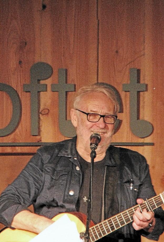 Hausgaard kan få latteren frem på de fleste. Foto: Hans B. Henriksen Hans B. Henriksen