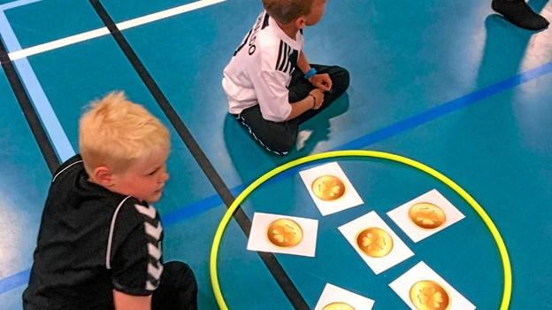 """Via fysiske lege på 16 """"stationer"""" udvikles børnenes sproglige indlæring. Privatfoto"""