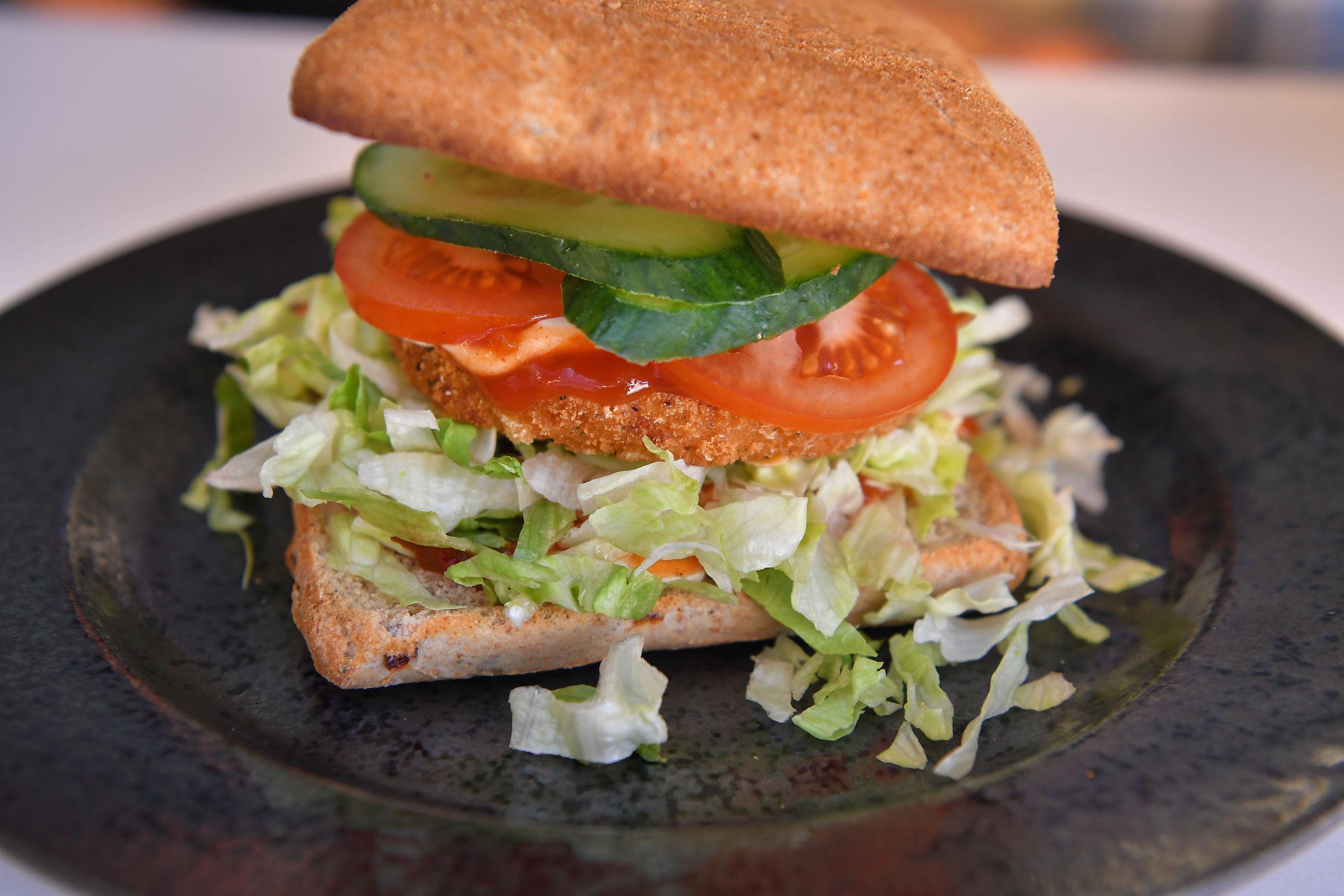 Én af de nyere ting på menuen er vegetarburgeren. Foto: Hans Ravn