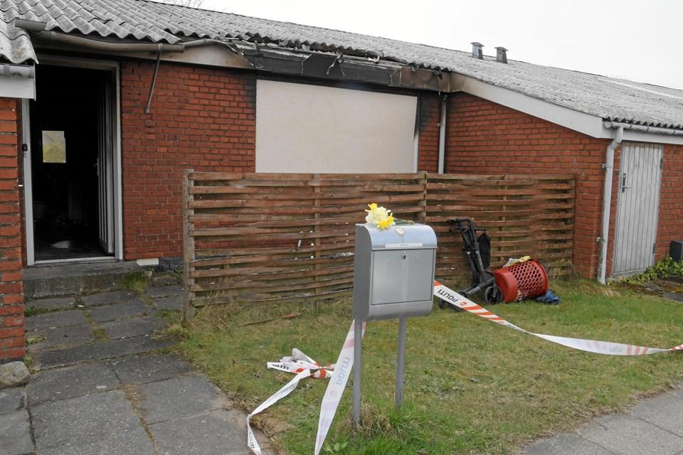 Branden var voldsomst inde i huset. Foto: Henrik Louis