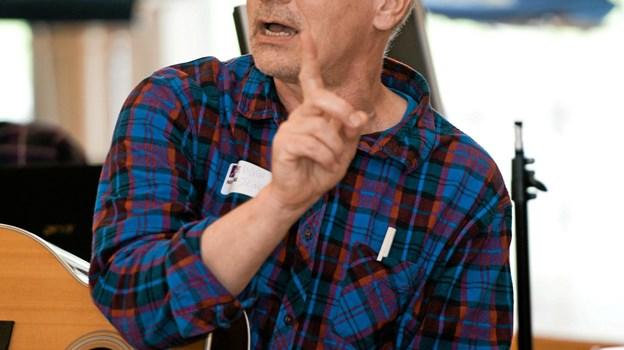 I musikworkshoppen underviser komponist Viggo Steincke, og deltagerne får viden om det at komponere musik. Arkivfoto