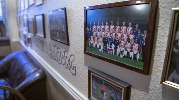 Væggene er også en hyldest til sporten, og både AaB, Aalborg Freja og Aalborg Chang er repræsenteret. Foto: Andreas Falck