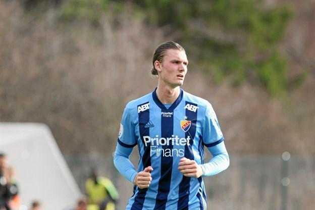 Hobro IK har skrevet en treårig kontrakt med 21-årige Julian Kristoffersen. PR-foto