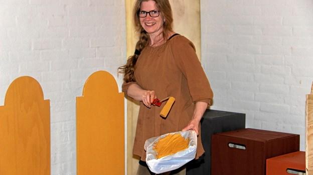 Lisbeth Gottenborg sørger for at dekorationerne er up to date. Foto:Hans B. Henriksen Hans B. Henriksen