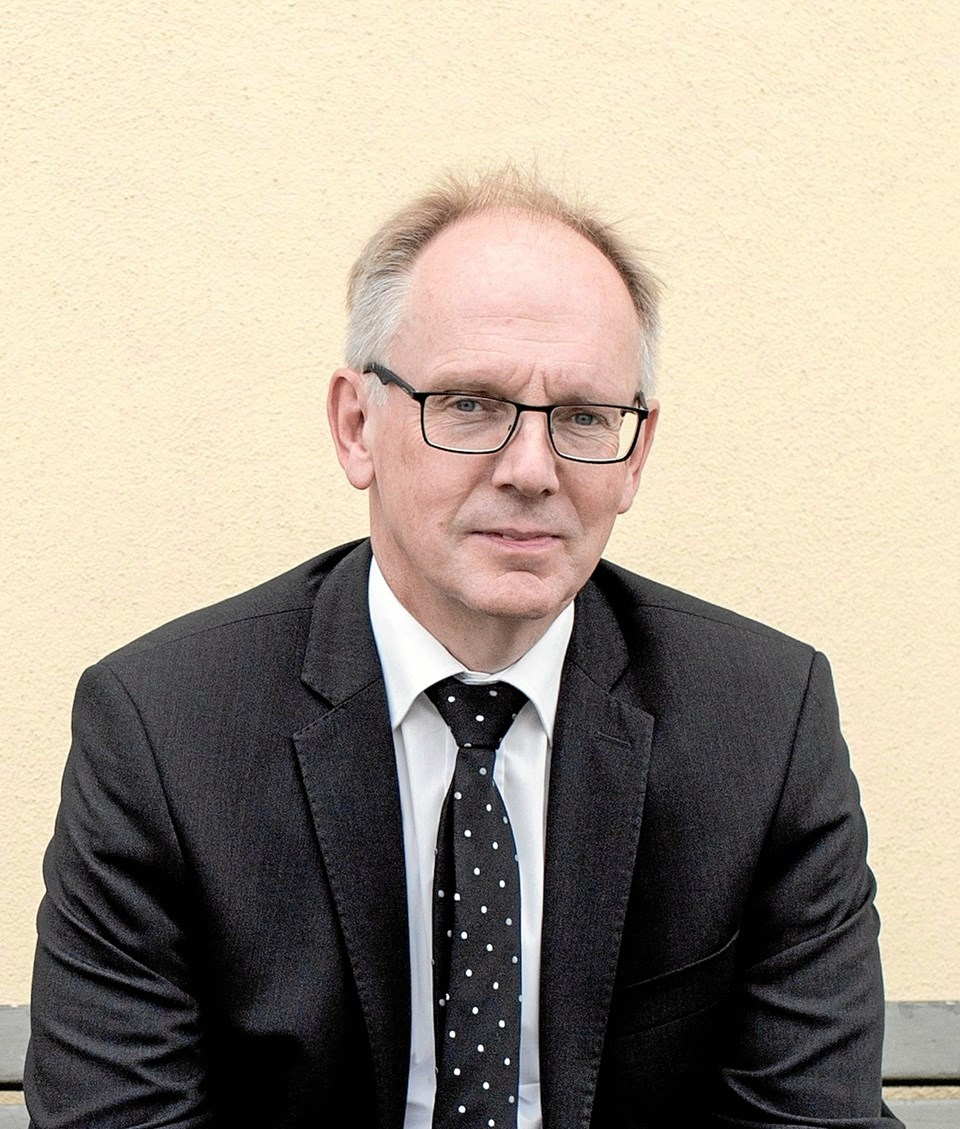Karsten Hjorth er den sidste tilbageværende advokat i Struer kommune. Her er han fotograferet i Struer og omegn.