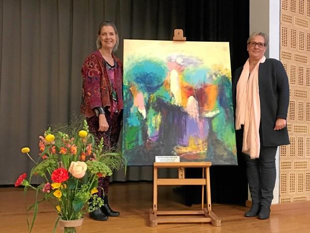Kunstneren Gunhild Bloch til prisoverrækkelse sammen med Carina Österman, Galleri Himmerland. Privatfoto