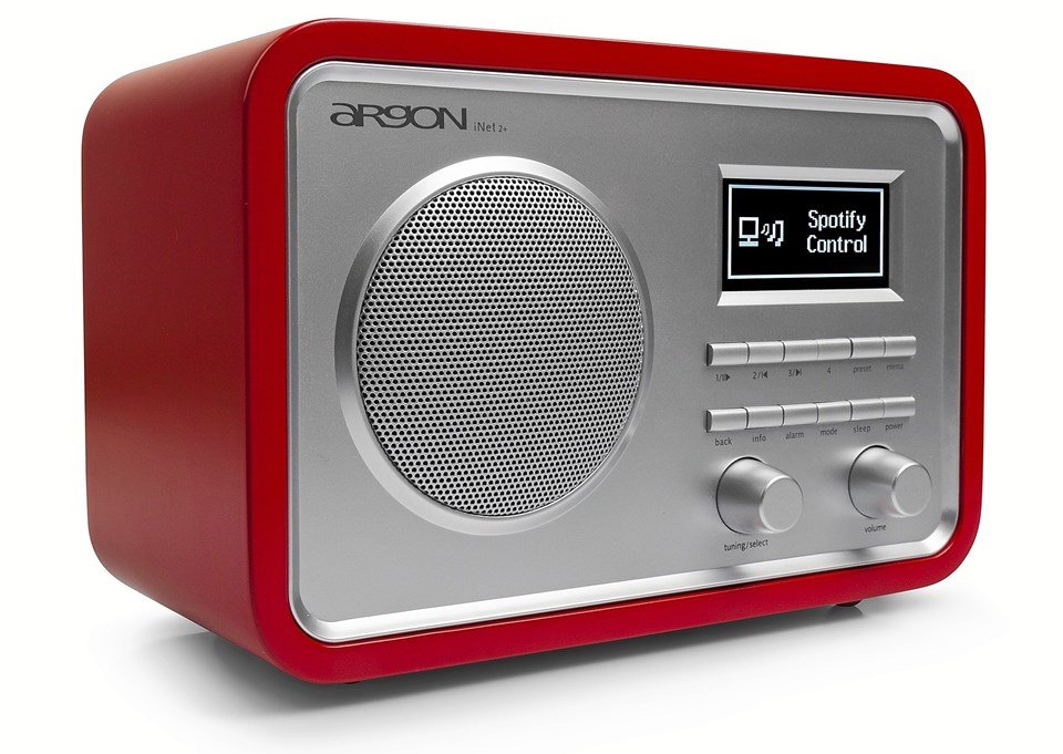 Ud over Spotify spiller radioen FM, DAB - og et svimlende udvalg af internetstationer.