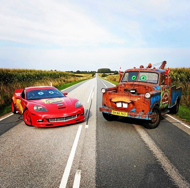 Den fartglade bil og hans rustne ven er at finde foran butikken fra kl. 12-16 på åbningsdagen.