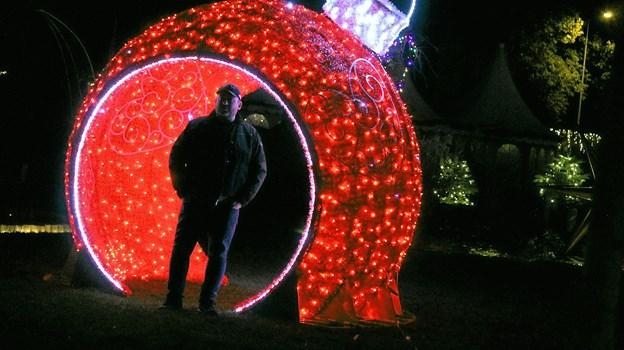 Julepynt i en lidt forstørret udgave. Foto: Flemming Dahl Jensen