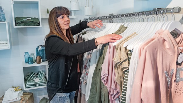 6793b5259c2a Mette Udland åbnede for et år siden butikken Zand i Lønstrup. Hun gik så at