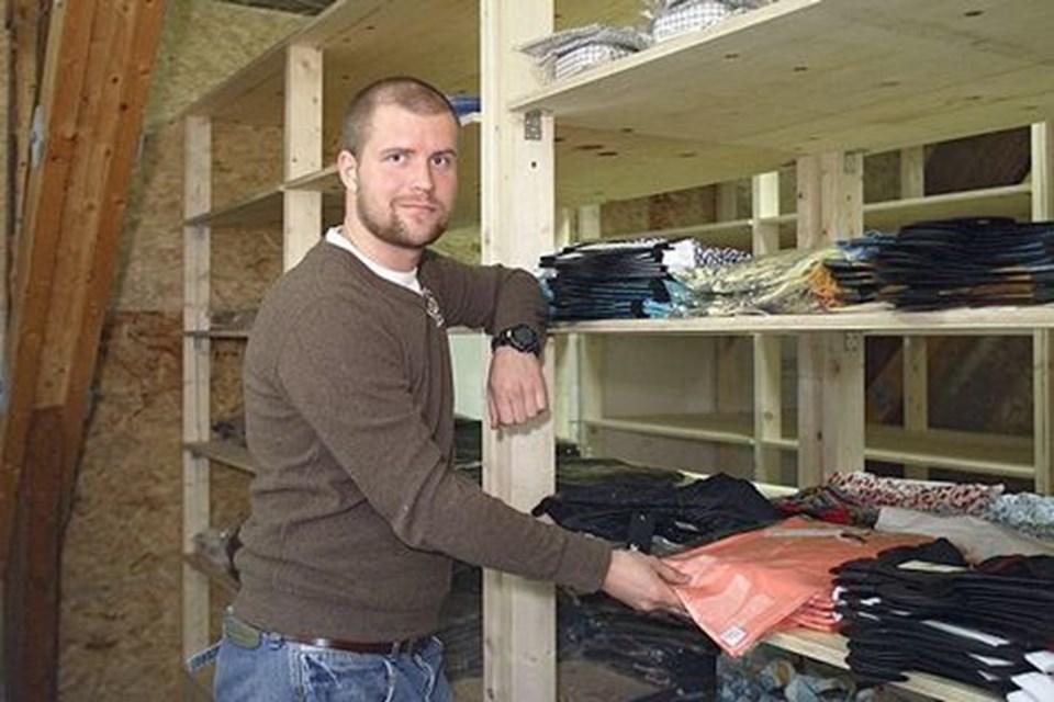d2c82a3504e3 Rune Simonsen har trods bopæl i hovedstaden indrettet lager på  Håndværkervej i Fjerritslev. FOTO  ERIK SAHL