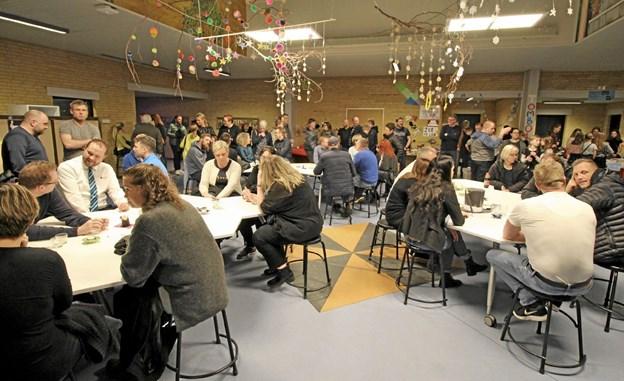 Flere steder var der arrangeret små caféer, hvor forældrene kunne slappe af og hygge sig over en kop kaffe. Foto: Jørgen Ingvardsen Jørgen Ingvardsen