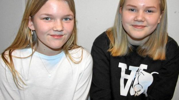 Ida Marie Meng og Selma Fredsgaard var inden paneldebatten ret usikre på, hvem der skulle have deres stemme.Foto: Jørgen Ingvardsen Jørgen Ingvardsen