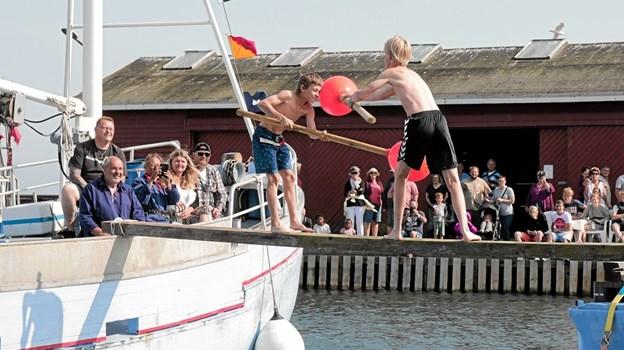 Det populære søslag, fik mange mennesker til at besøge havnen i Ålbæk sønadg eftermiddag. Foto: Peter Jørgensen Peter Jørgensen