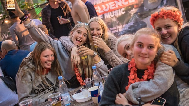 Fremover kan du spise og drikke på Havnen på Nibe Festival. Arkivfoto: Martin Damgård