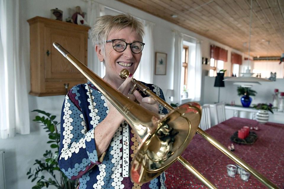 I 50 år har Pia Brink været en del af Løkken Pigegarde og nu Brønderslev Harmoniorkester.