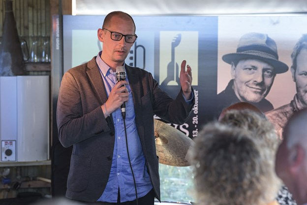 DR Big Band producer Martin Røen fortalte, at bigbandet glæder sig til at komme til Tversted Jazzy Days.Foto: Bent Bach