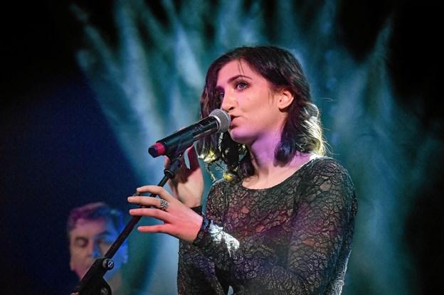 Mette Damiri viste atter for hjemmepublikummet hvilken dygtig sanger hun er. Blandt andet med Gasolin nummeret: Thisted is my life. Foto: Ole Iversen Ole Iversen