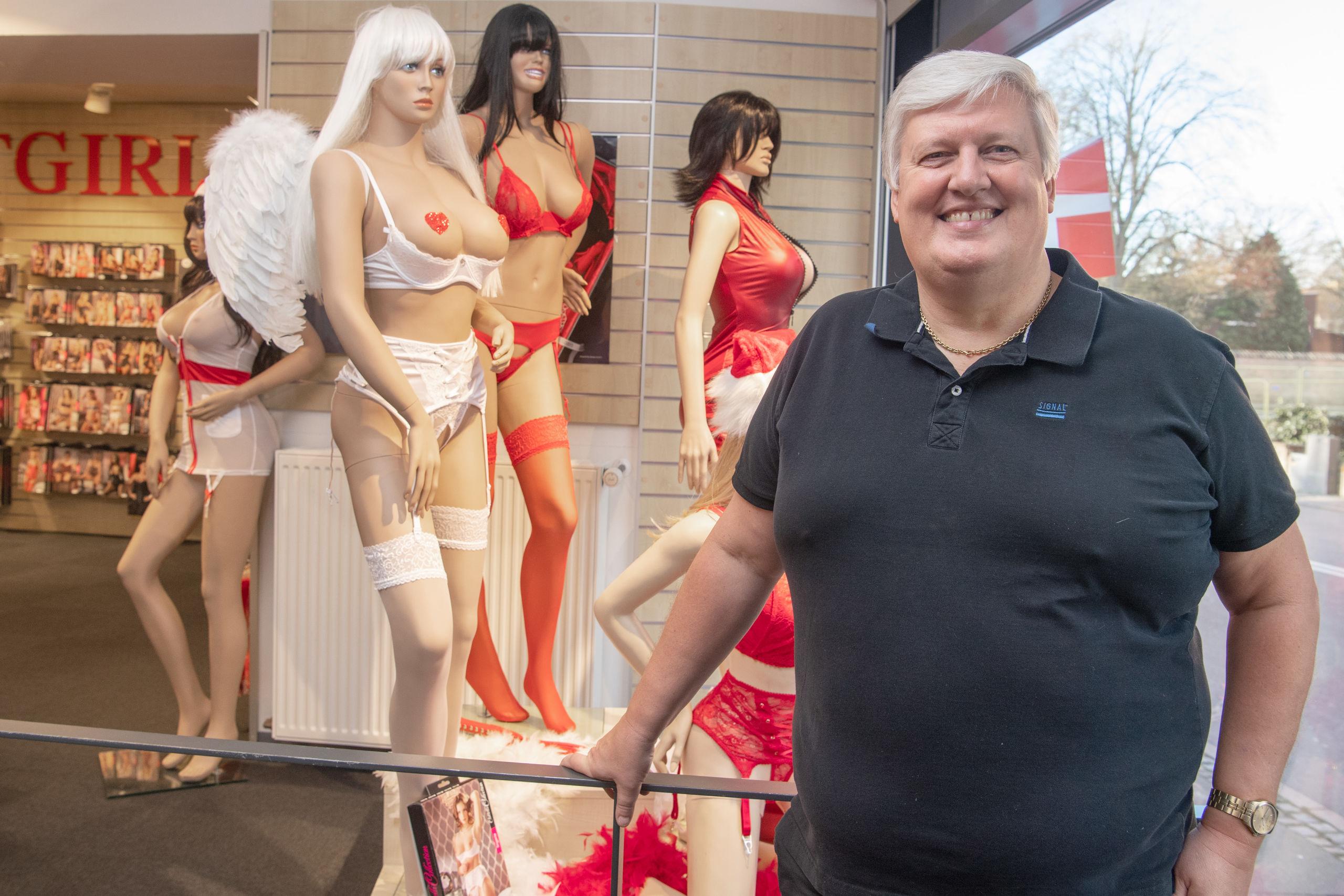 "Den 54-årige Kim Jensen ejer ""Hotgirl"", og han har desuden erotiske butikker i henholdsvis Aarhus og Kolding. Foto: Henrik Louis"