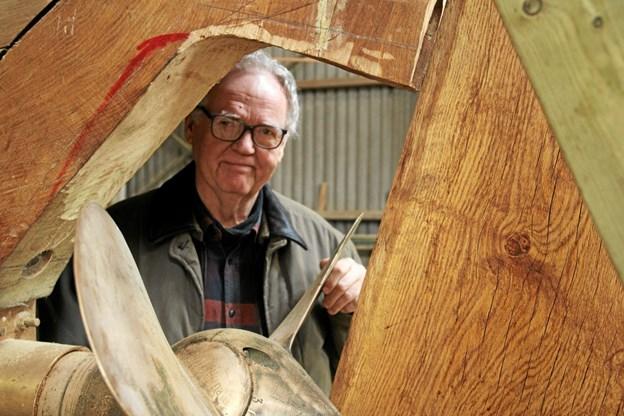 Svend Flyvbjerg var på besøg for at se båden.