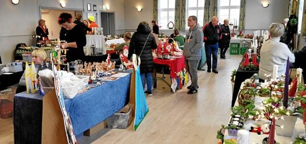Der var igen i år nok at vælge imellem på julemarkedet i Valsgaard Forsamlingshus. Privatfoto