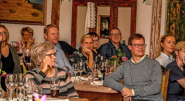 En festlig aften med grill menu og sjov underholdning i dalen. Foto: Mogens Lynge
