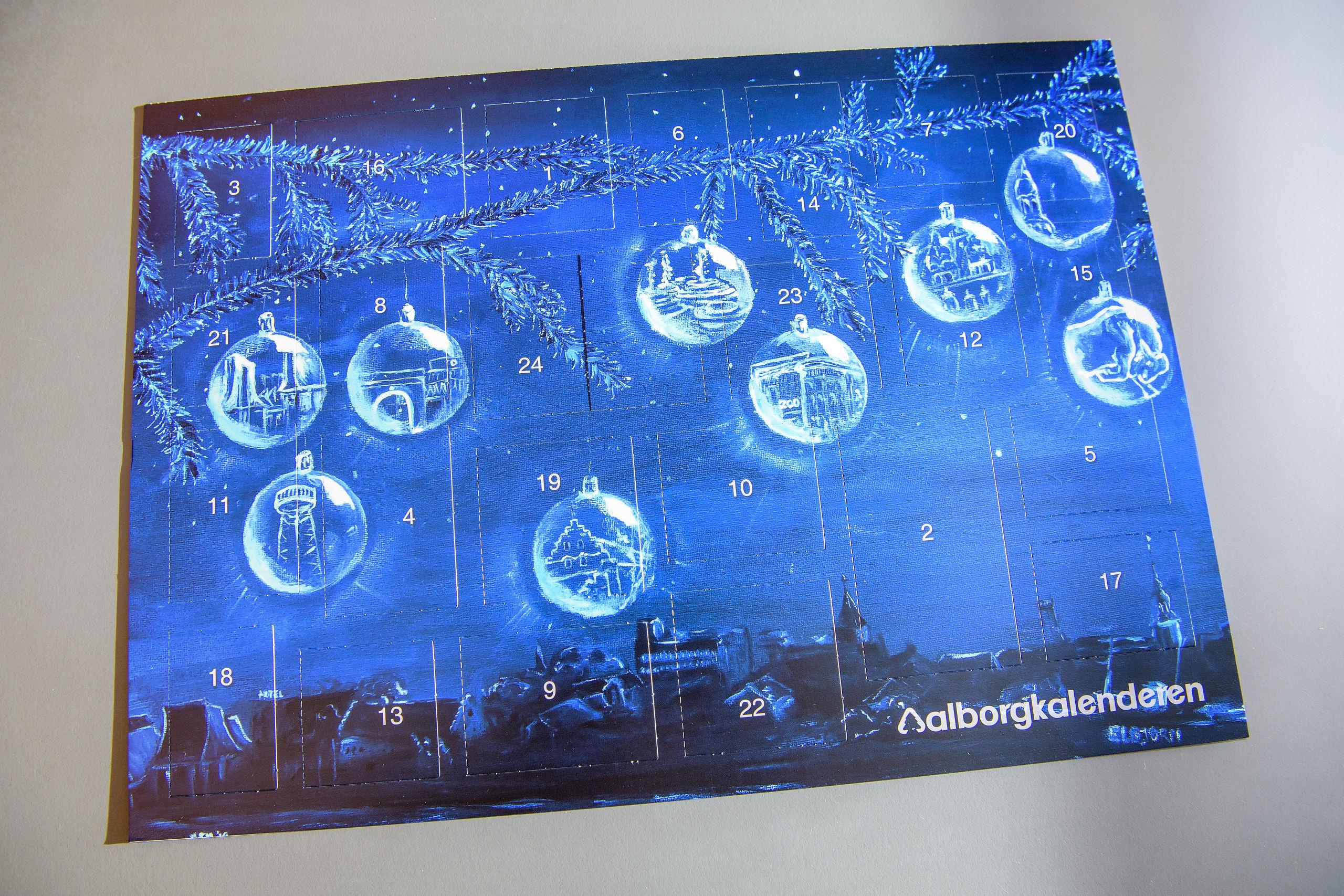 Lågerne i Aalborgkalenderen gemmer på gaver og konkurrencer. Foto: Peter Broen