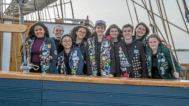 Her ses nogen af udvekslingsstudenterne med deres specielle jakker. Foto: Mogens Lynge