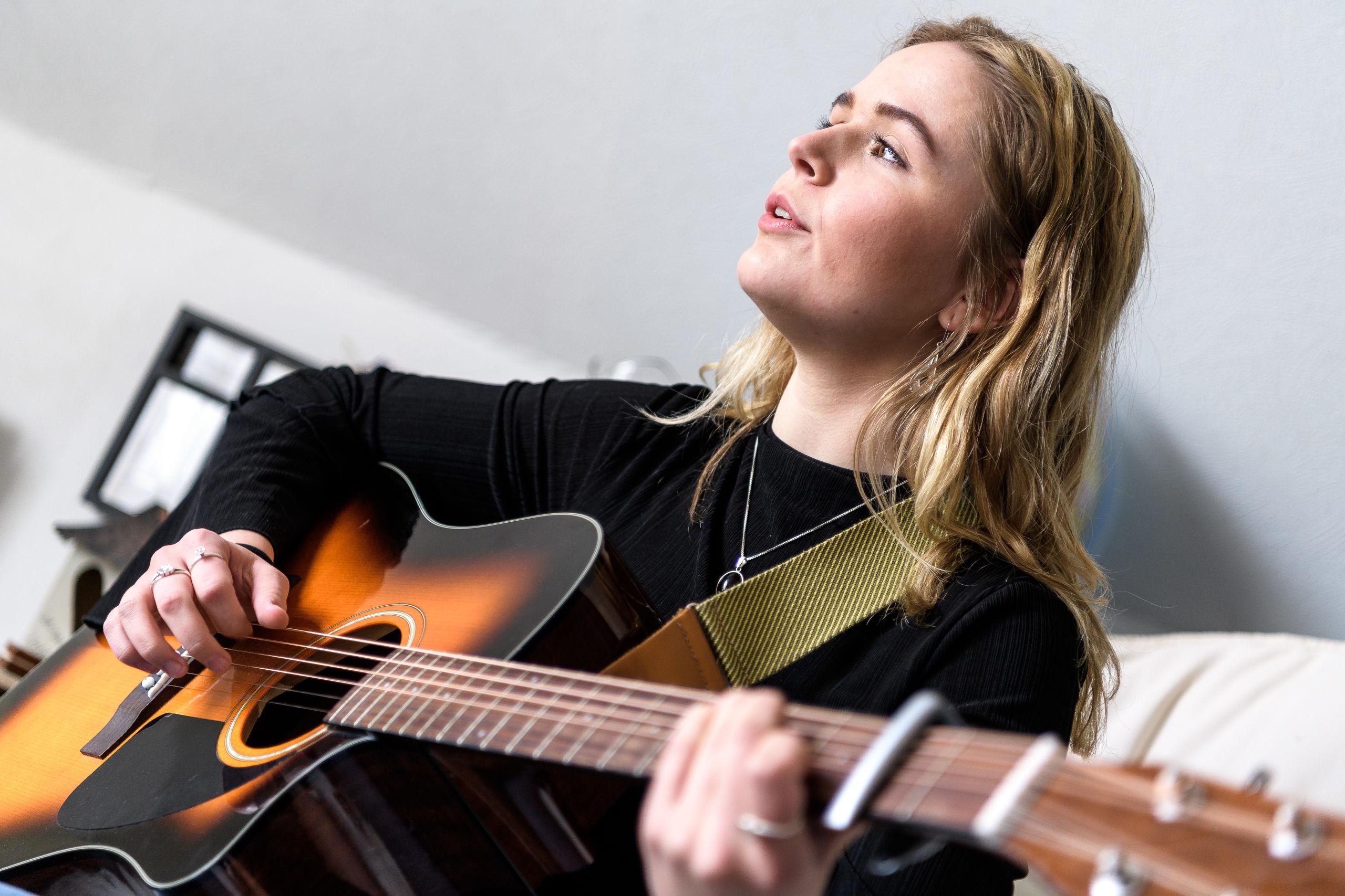 Det nordjyske talent Christine Aggerholm står for underholdningen. Arkivfoto: Nicolas Cho Meier
