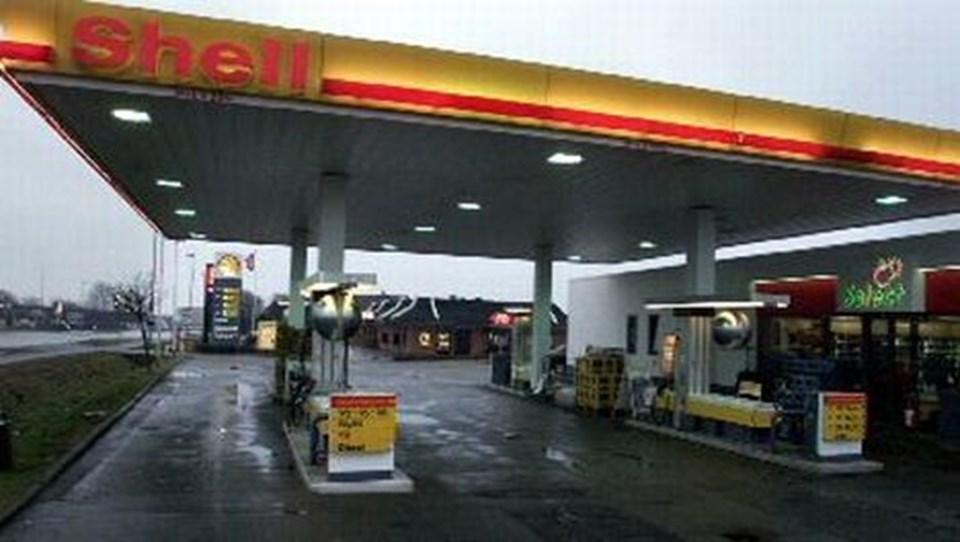 48d14cb1160 Selvom benzinen er steget i pris, så glmmer de fleste, at den var dyrere i  både 2006 og 2005. Arkivfoto: Bent jakobsen