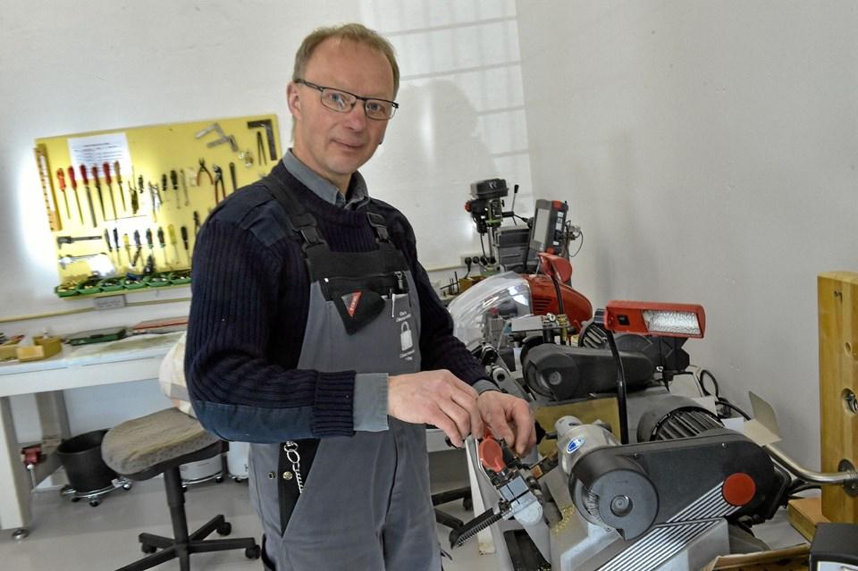Dejligt stort værksted, lager og kontor er nu til rådighed for Ole Sixhøj og hans ansatte. Foto: Ole Iversen Ole Iversen